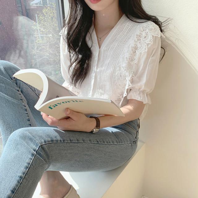 vneck feminin lace blouse