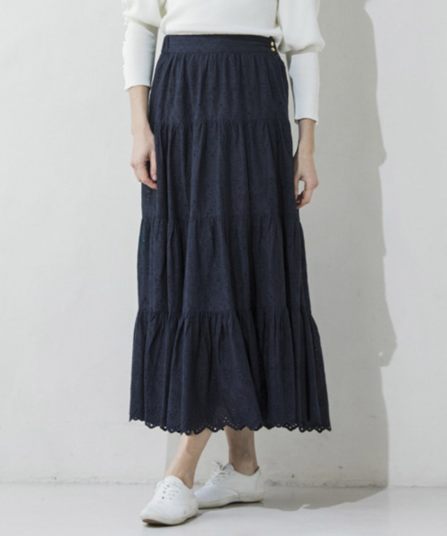 EMBROIDERY TIERED SKIRT