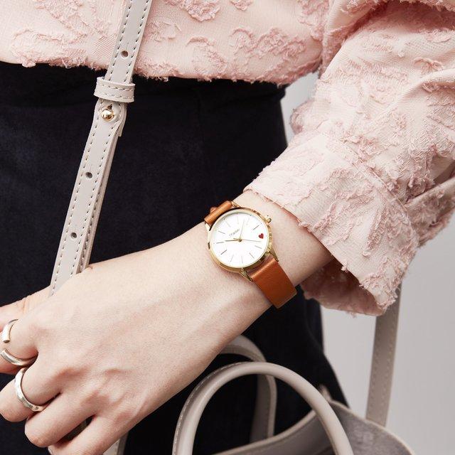 プチプラ高見え♡毎日つけたい赤ハートのレディーな腕時計