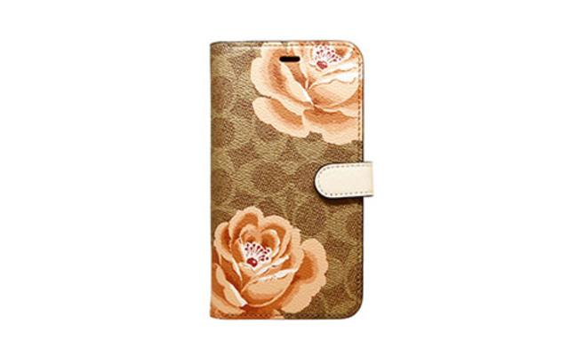 [auショップ限定]iPhone 11用 COACH(R)ブックタイプケース/PEONY Brown