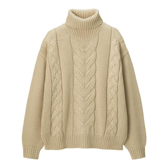 ケーブルタートルネックセーター
