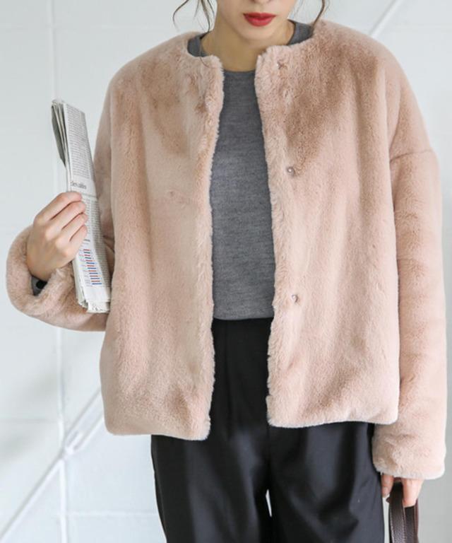 ふわふわノーカラーフェイクファーコートショート丈コート