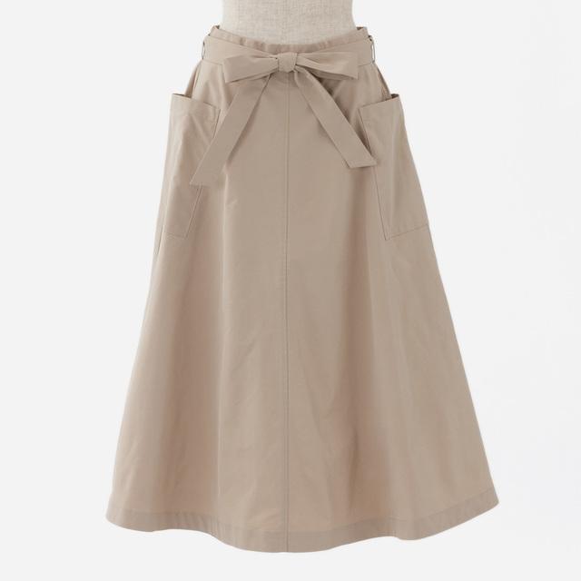 タフタフレアスカート