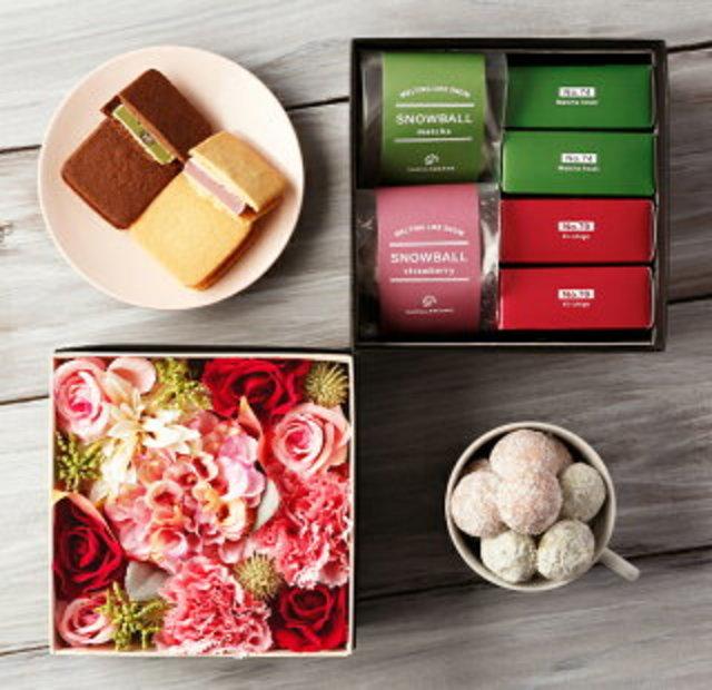 母の日 プレゼント ギフト スイーツ お菓子 詰め合わせ バニラビーンズ フラワー&スイーツボックス チョコレート