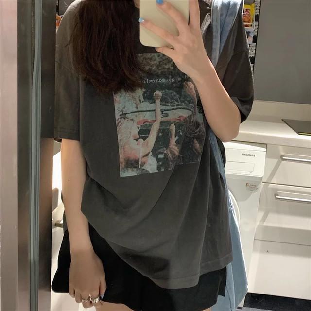 グラフィックプリントTシャツ