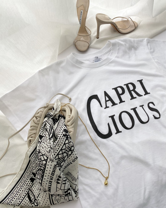 CAPRICIOUS T-shirt・White×black