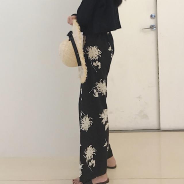 ハイウエストワイドレッグ花柄パンツ