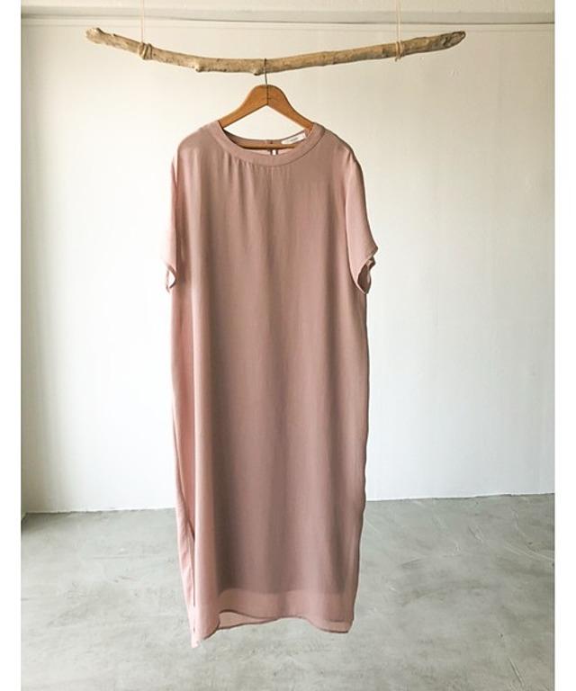 ファッションインフルエンサーmisato×VACANCY バックスリットカフタンシアーワンピース