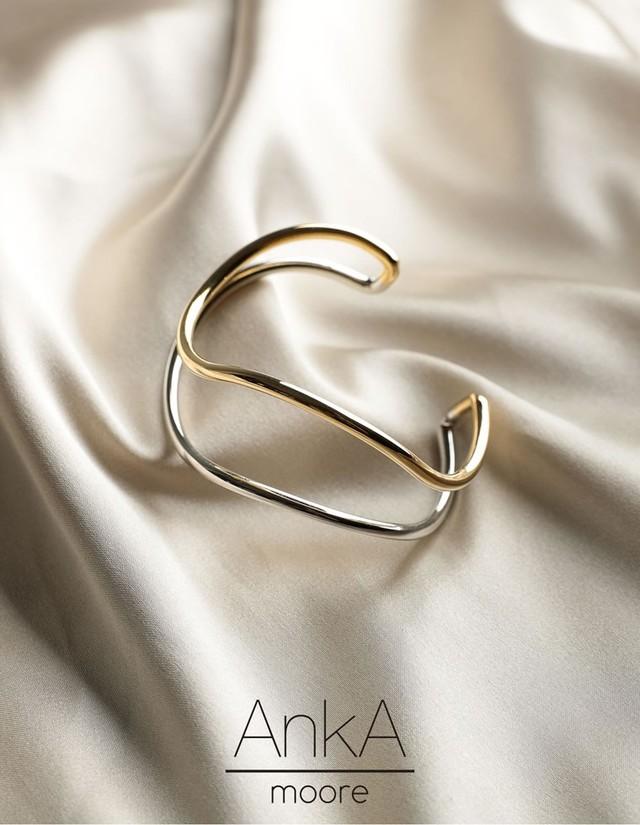 AnkA moore ツインカラーカービングバングル