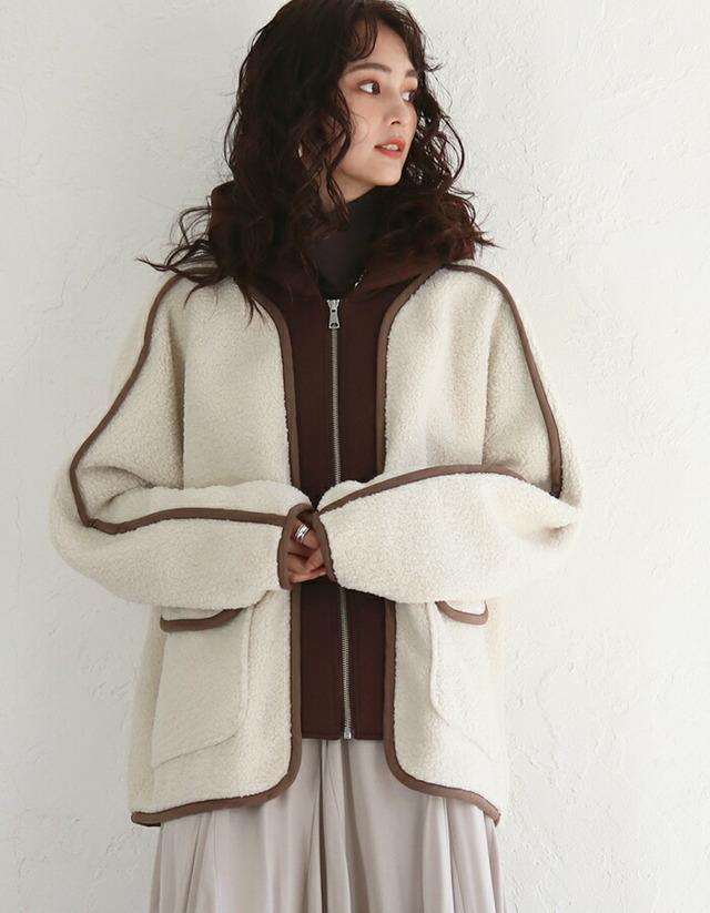 パーカーレイヤード風デザインボアジャケット