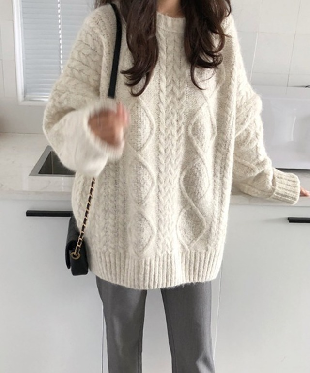 Big silhouette cable knit chw1339