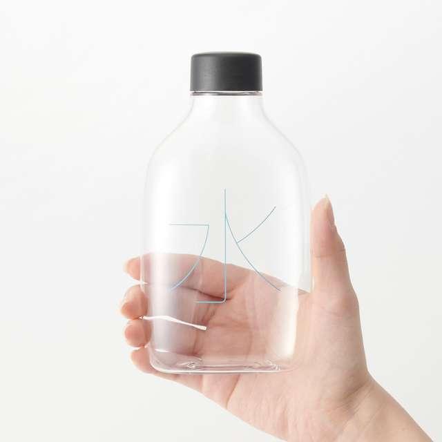 自分で詰める水のボトル 容量 330ml