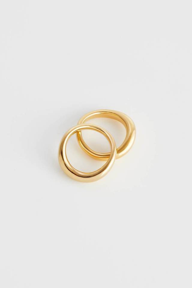 Smooth curve ring gold W