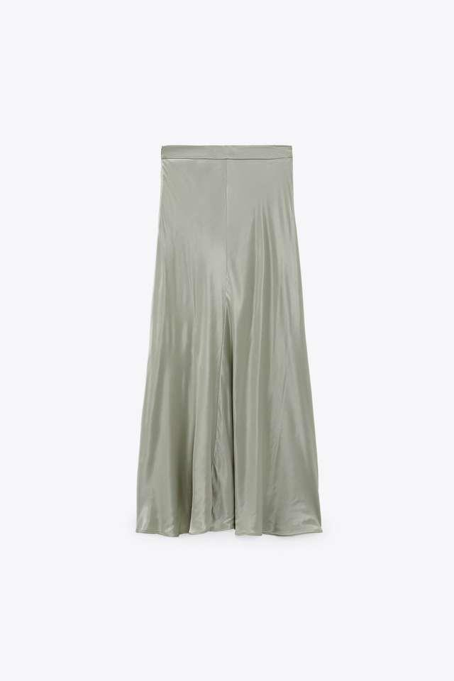 サテン風ミディ丈スカート