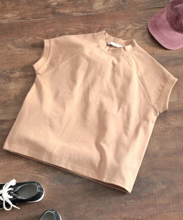 大人のモックネックTシャツ