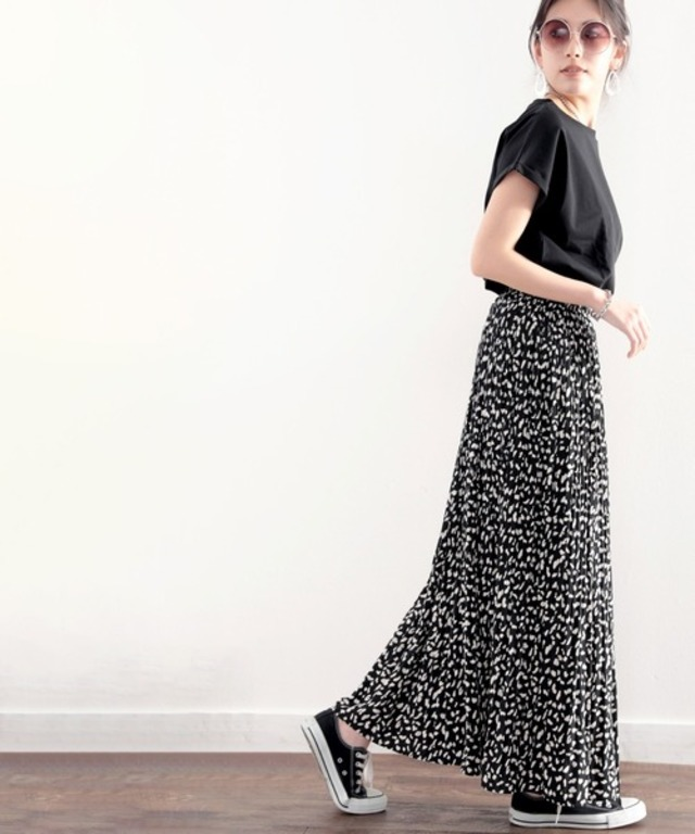 一目置かれる魅惑のプリーツスカート