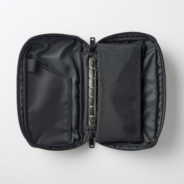 ポリエステルパスポートケース メッシュポーチ付 黒/約22.5×12×3.5cm