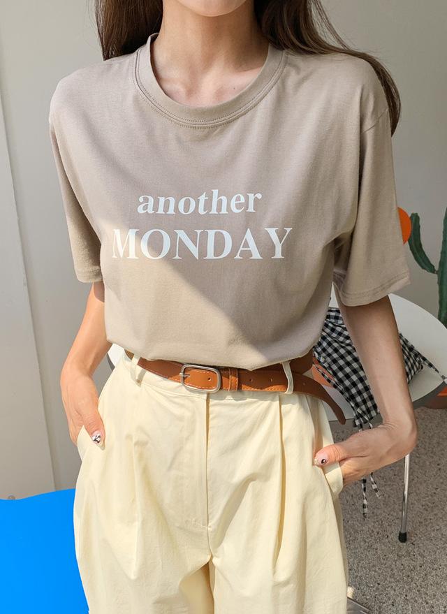 半袖レタリングTシャツ