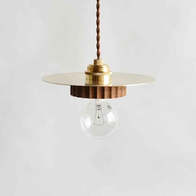 真鍮と木のシンプルなライト