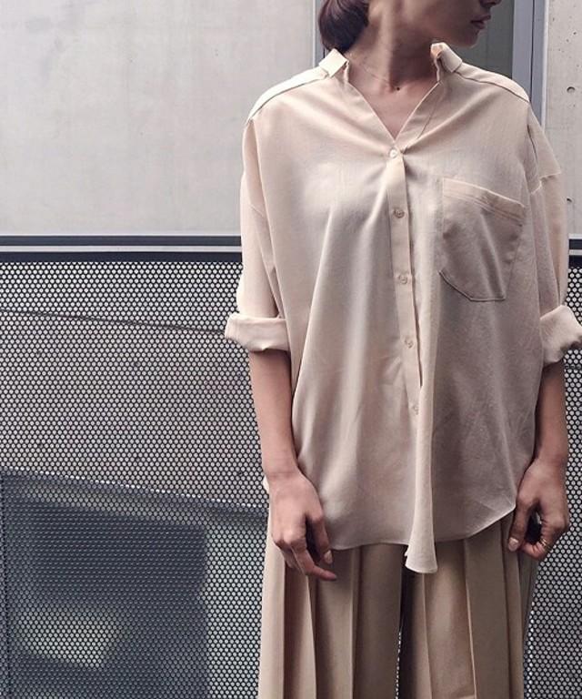 襟抜きシャツ