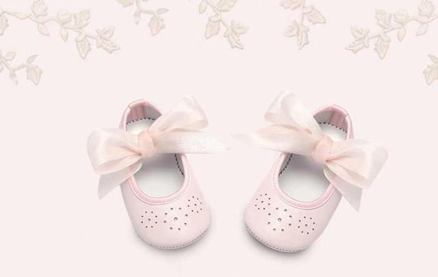 super popular c21e9 e1e32 心に残るファーストプレゼントを♡喜ばれる出産祝いアイテム6選 ...