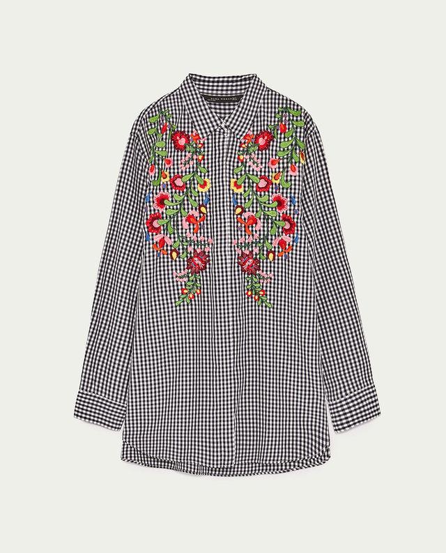 刺繍入りギンガムチェックシャツ