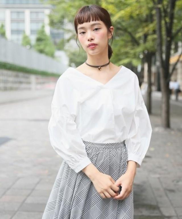 【LOWRYS FARM】ソデバルーンVネックシャツ