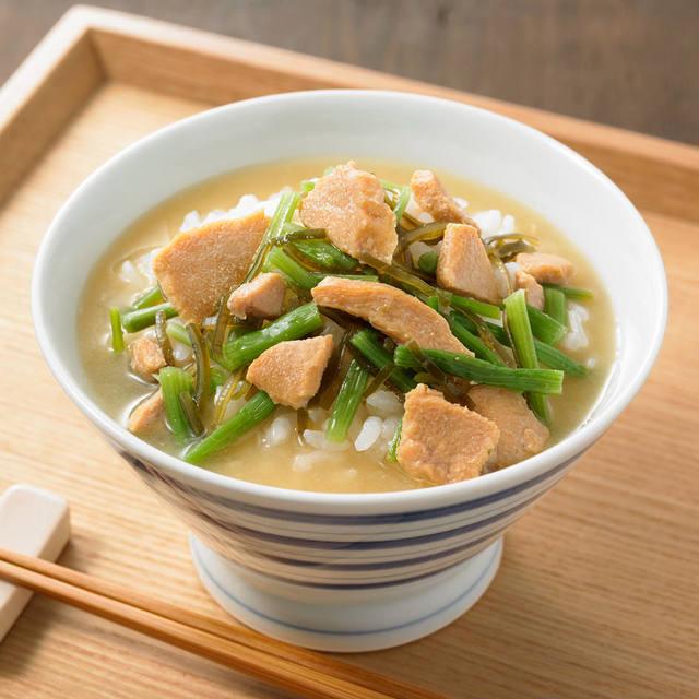 ごはんにかける 柚子胡椒と鶏肉の冷やし味噌茶漬け 160g(1人前)