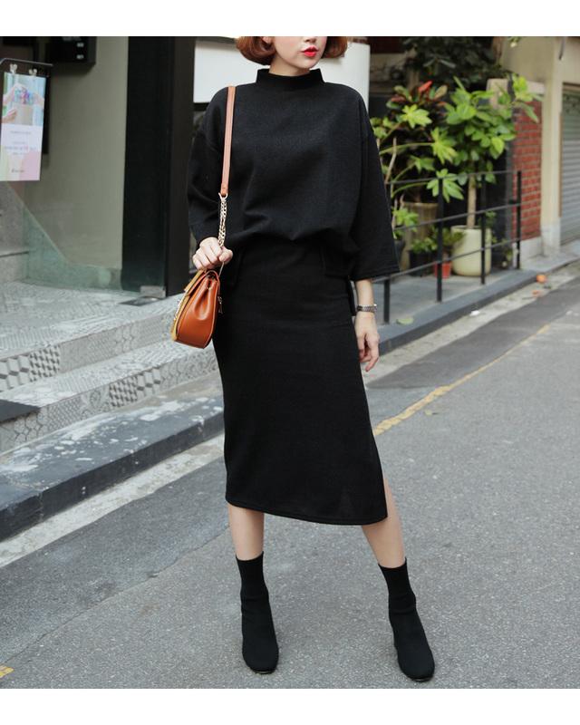 モックネックTシャツ&スリットタイトスカートSET