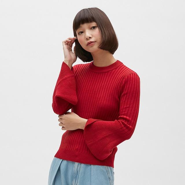 フレアスリーブタイトセーター(7分袖)
