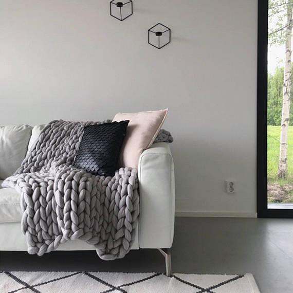 Ohhio's Grande Punto blanket. Chunky blanket. Merino wool (23-micron merino wool)