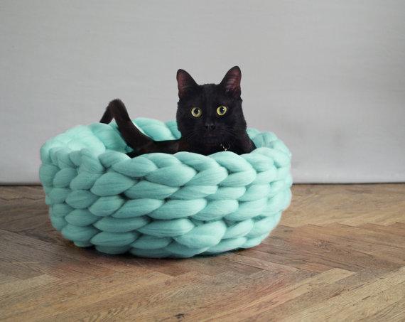 SUPER LUSH pet bed