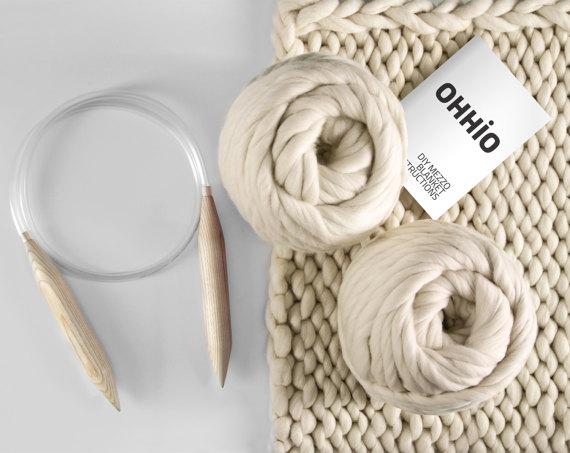 Mezzo Blanket DIY Kit (Small). Medium Stitch Chunky Blanket — 30''x50''