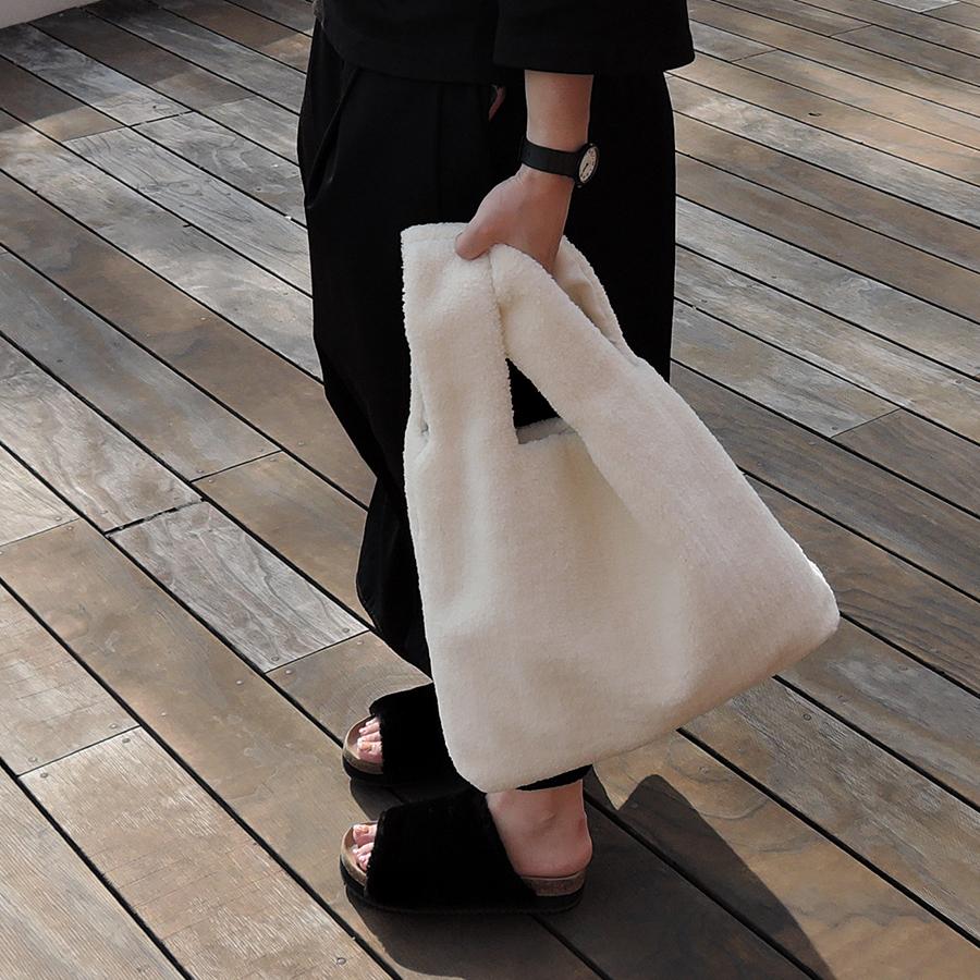ボアハンドバッグ