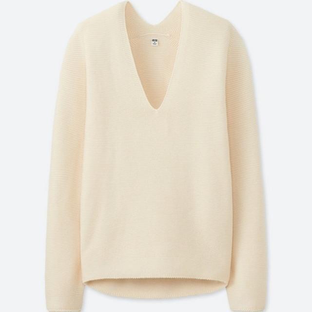 コクーンシルエットVネックセーター