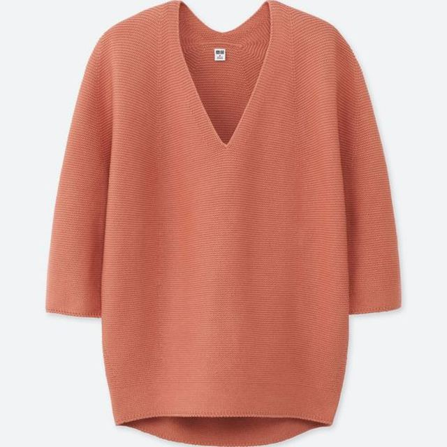3DコクーンシルエットVネックセーター