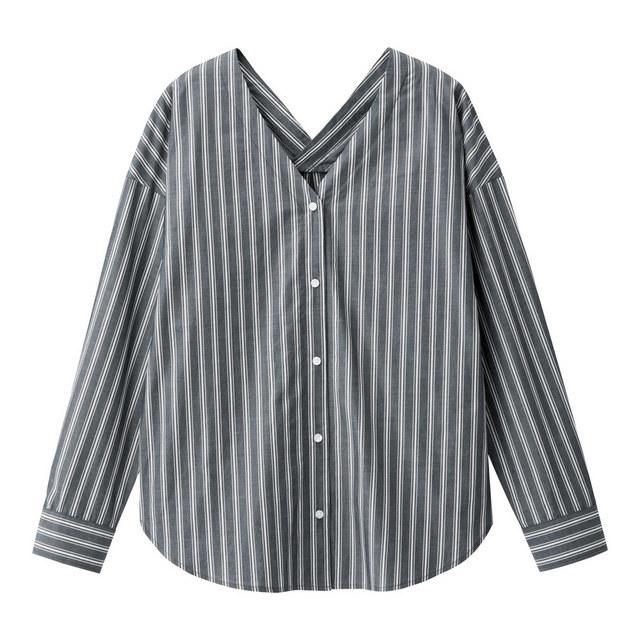 ストライプVネックシャツ