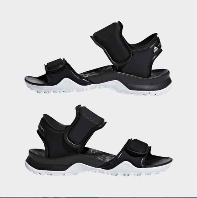 HIKIRA Sandals