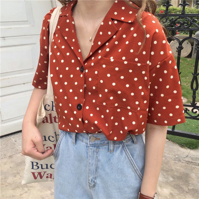 dot color shirt
