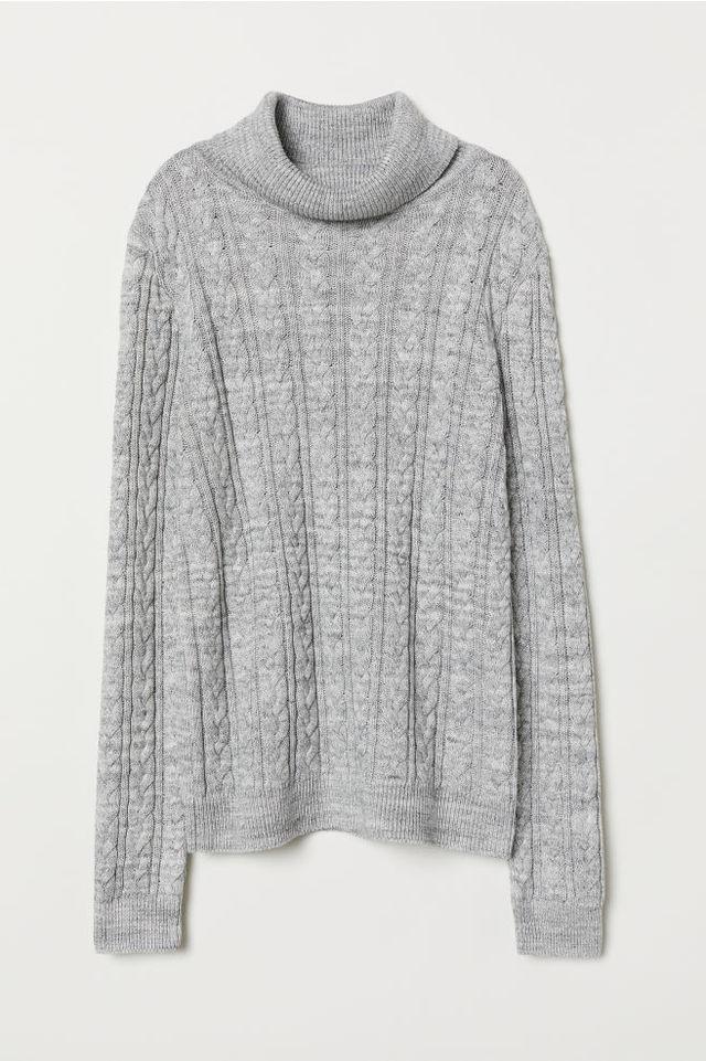 ケーブルニット タートルネックセーター