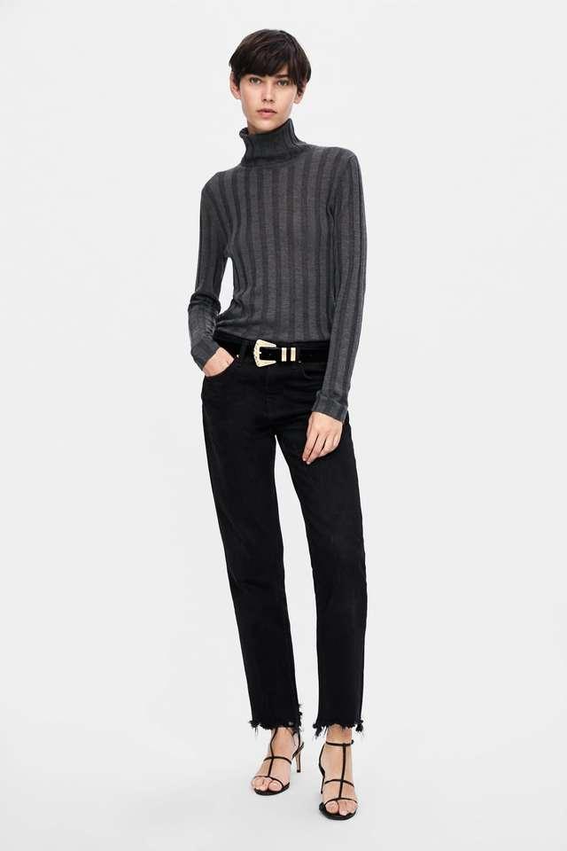 タートルネックリブ編みセーター