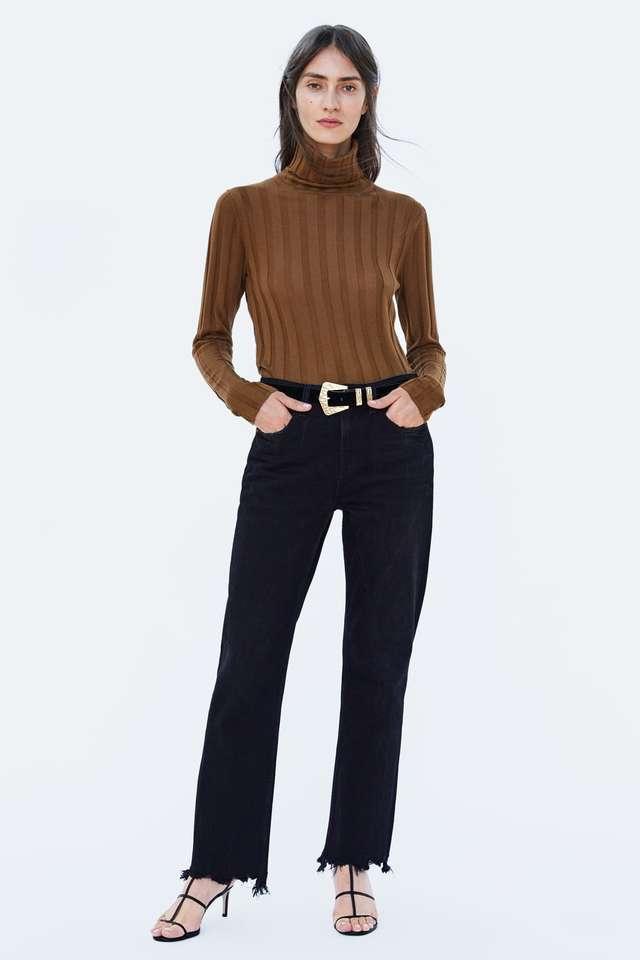 ハイネックリブ編みセーター