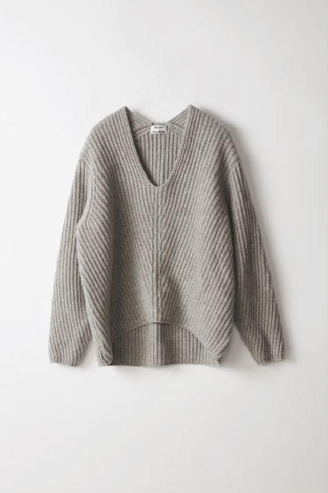 ディープVネックセーター