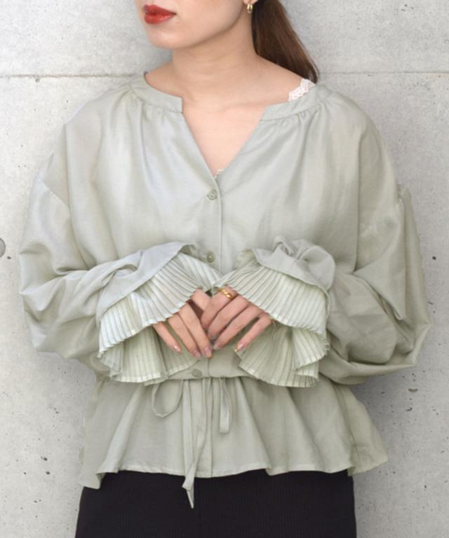 ウエストシャーリング袖プリーツブラウス