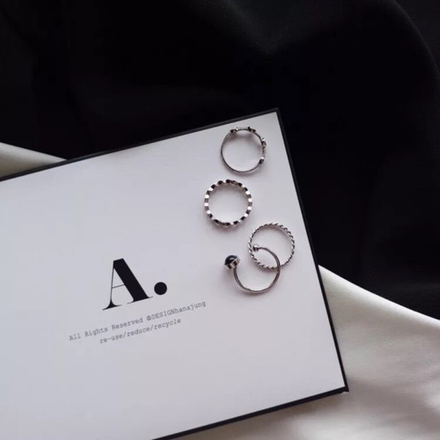 silver ring with black stone (4 piece)