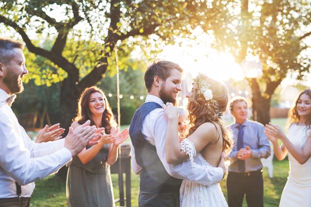 28ca3fbd8057a 「何度も参列しているし、最低限のマナーは守れているはず」と自信を持っている方も、今一度確認を。今回はおさらいのためにも、結婚式に招待されてから式当日までの  ...