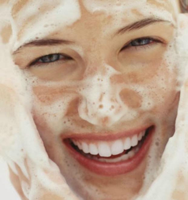 自然素材の力を借りた生命力あふれるメレンゲ洗顔ソープで、潤いたまご肌を手に入れましょう!