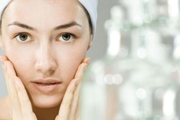 涙の成分をモデルにして作られた多機能保湿成分リピジュアを配合。ヒアルロン酸の2倍潤うこの保湿成分が、卵白の保湿成分と協力し合いながらもちもち肌へ導きます。
