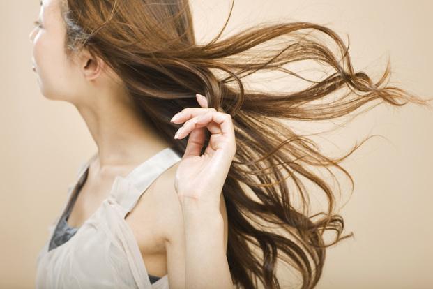 パサパサ タバコ 髪の毛