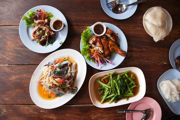 ここでは1週間丸ごと中華料理で乗り切るためのレシピをまとめてみました。実際には間に和食 や洋食を挟むと飽きがこないかもしれません。ぜひ参考にしてみてください。